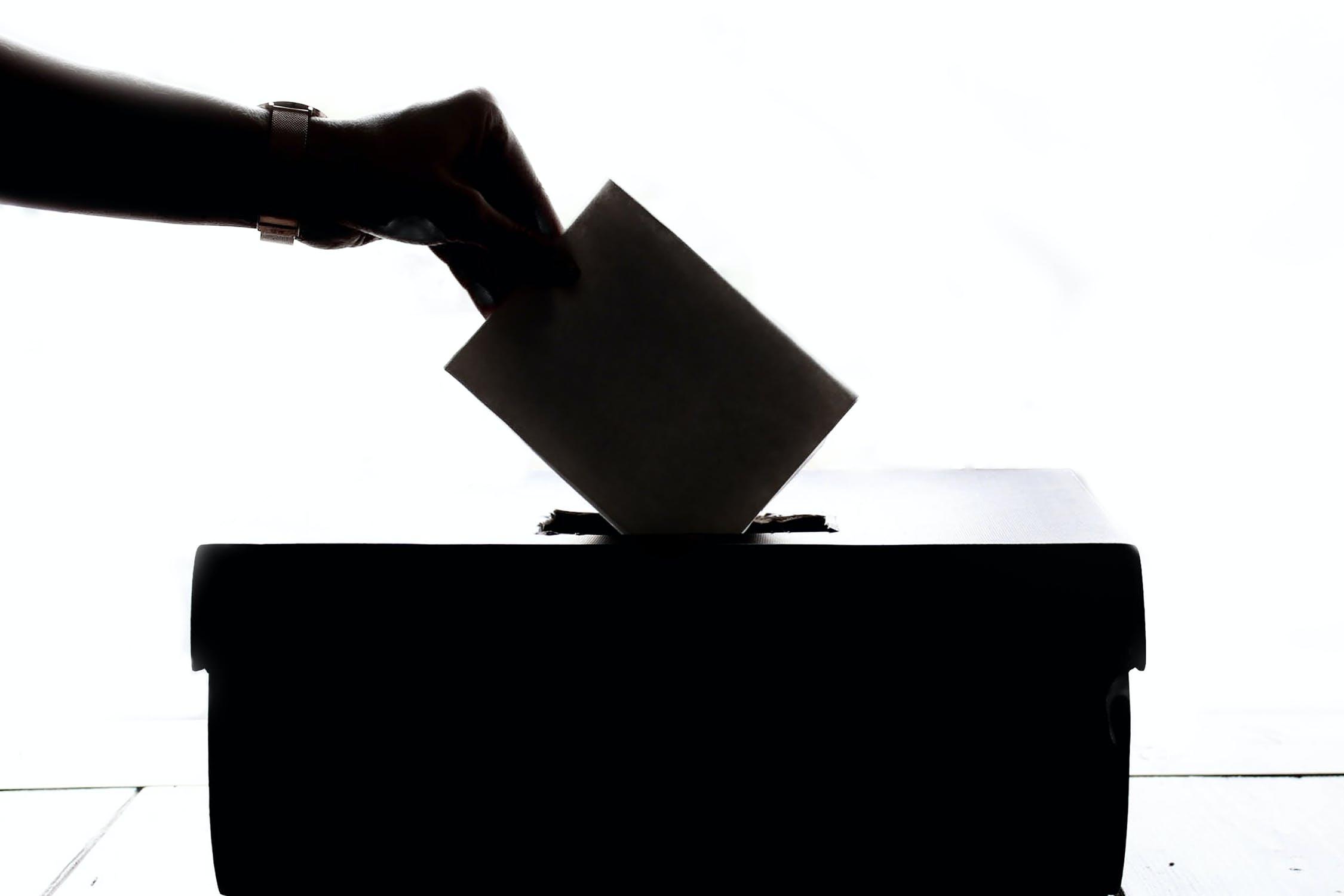 Ψήφος αποδήμων: θέμα αρχής, όχι συναλλαγής